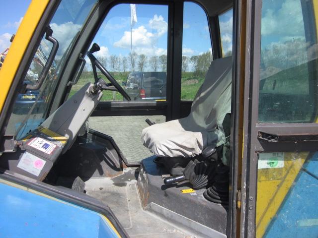Manitou M30-4 ruw terrein heftruck diesel 3000 KG - cabine